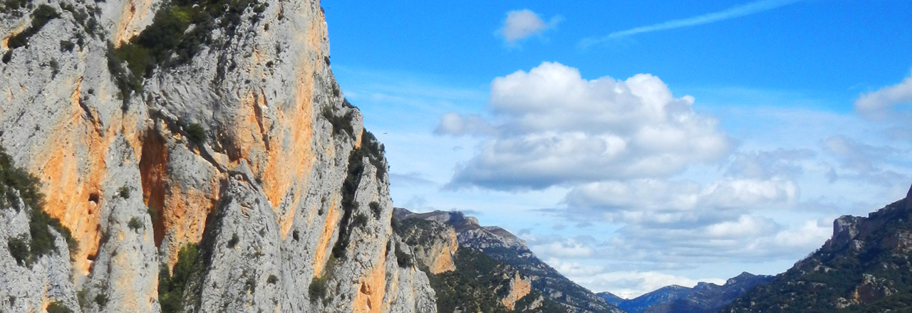 Contact form & booking of adventure, via ferrata or canyoning in Spain