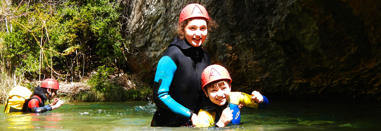 canyoning for kids and teenagers in Sierra de Guara with Expediciones