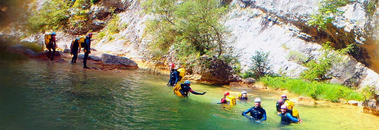 Teambuilding canyoning en Sierra de Guara con Expediciones