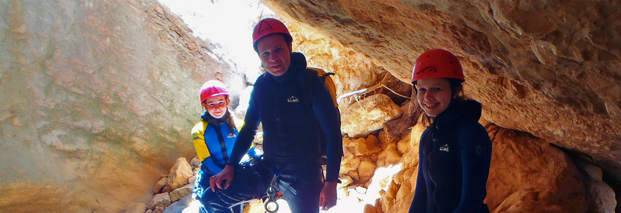 Canyoning in family with kids in Alquezar (Sierra de Guara - Spain)