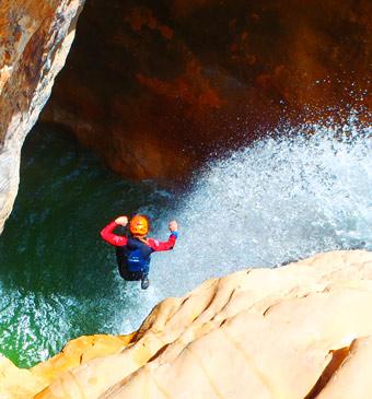 Journée de canyoning supérieur pour sportifs et expert en Sierra de Guara - Espagne avec Expediciones-sc.es