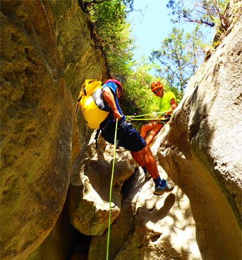 Adventure in Sierra de Guara: Canyoning, abseiling and via ferrata over 2 days