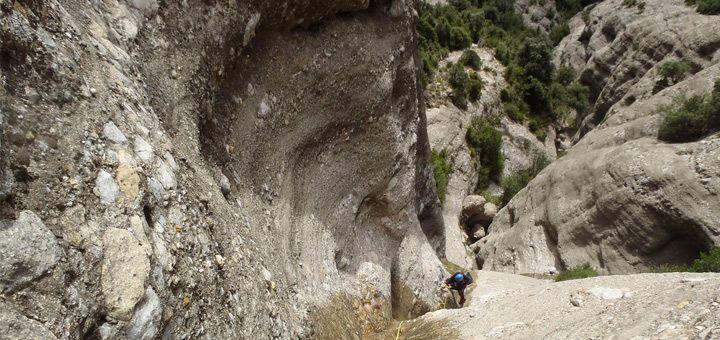 Barranco Escomentue con sus grandes rapeles cerca de Huesca