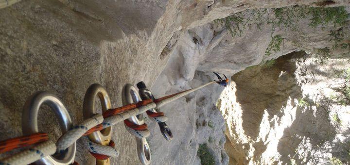 Grandes rapeles y verticales en los barrancos de Sierra de Guara (Os cochas)