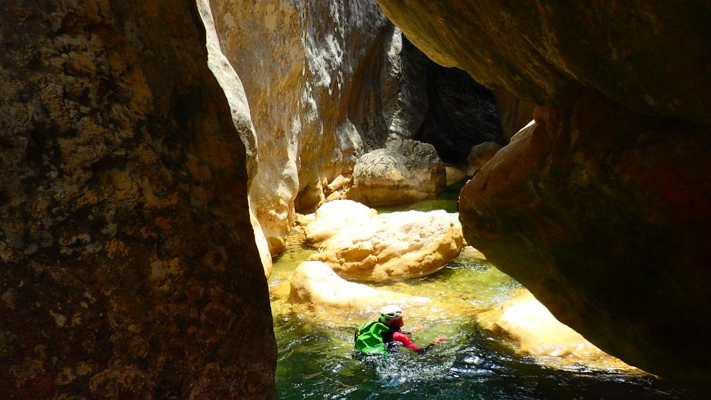 Descente canyoning du Gorgas Negras en Sierra de Guara